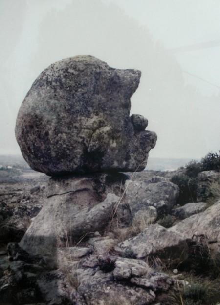 Peñasco al que Amador bautizó como 'Mascuerzo'. Simula un perfil humano. Está ubicado en finca privada de Carba La Fuesa de Abajo, entre Peña Bermea y los Aragiles