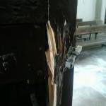 2015/03/16: Robo en la iglesia de Torregamones - Puerta reventada (2)