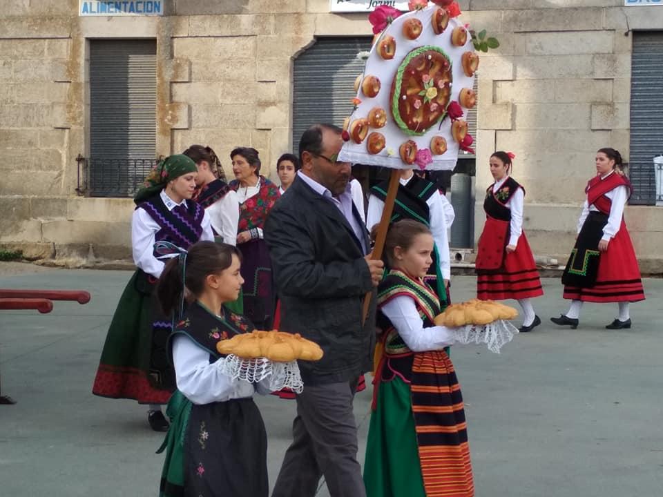 Procesión y Baile del Ramo - foto 06, Torregamones 21/10/2109 (Autor: Manuel Ferrero Mayo)