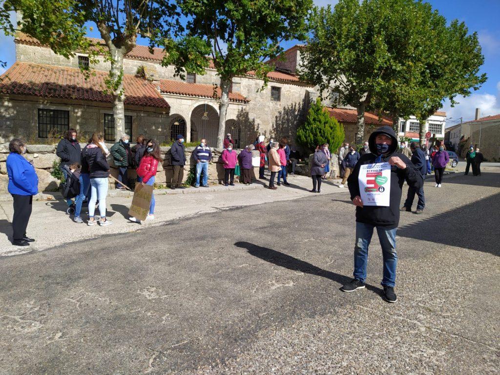 Foto 1: 03/10/2020. Manifestación por una Sanidad Digna para Torregamones